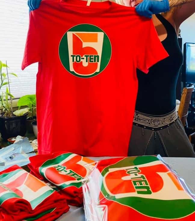 5to10 Red T-shirt 01